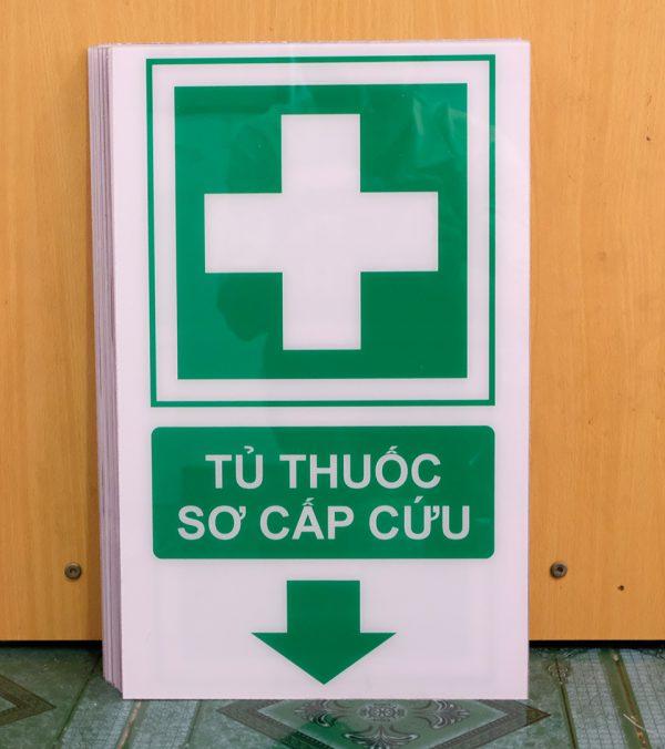 Biển báo tủ thuốc sơ cấp cứu bằng mica