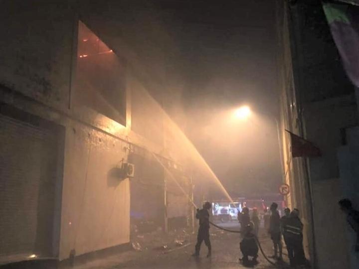 Phòng trà ở TP Vinh cháy dữ dội, ít nhất 6 người thiệt mạng do ngạt khói