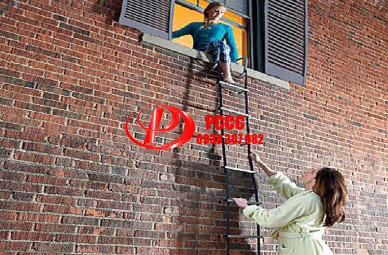 Hướng dẫn sử dụng thang dây thoát hiểm cho nhà cao tầng