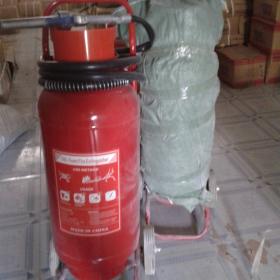 Bình foam chữa cháy có xe đẩy
